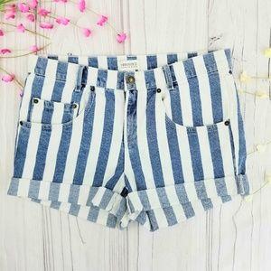 Forever 21 blue & white striped denim shorts, EUC!
